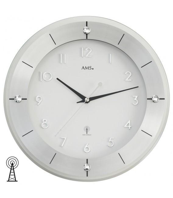 AMS 5848 Wanduhr Funk Funkwanduhr analog silbern rund mit Glas und Aluminium.